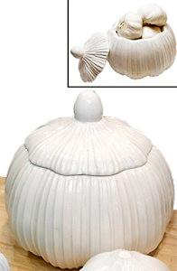 Garlic Keeper by Koopeh