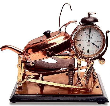 Old-Timey Alarm-Clock Tea Maker