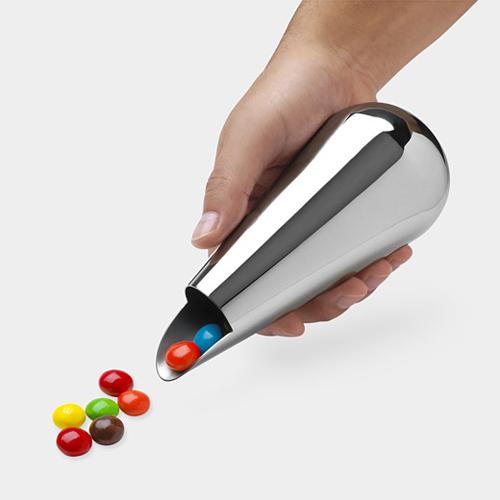 The Verso Snack Dispenser by Mario Taepper.