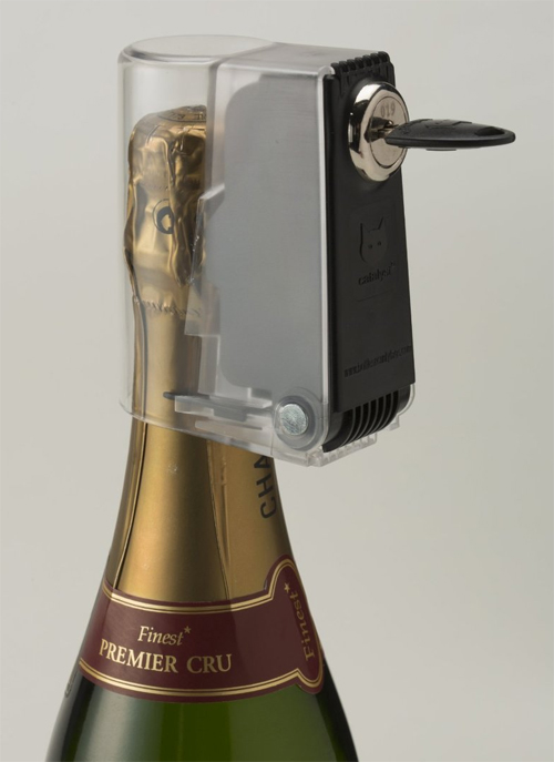 Wine & Whiskey Bottle Lock with Keys to Secure Your Liquor at Home - Alcohol Bottle Lock - Alcohol Bottle Stoppers - Alcohol Liability - Teenage Drinking - Liquor Bottle Lock - Locking Bottle Top - Wine Bottle Lock - Protect Champagne