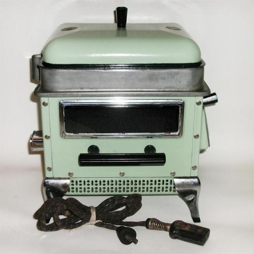 Rare Glorette Jade Green Porcelain Tabletop Stove Skillet Oven / Toaster Oven.